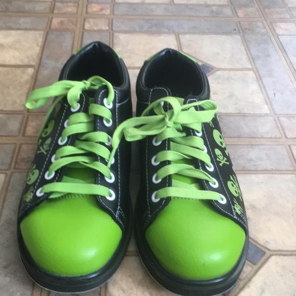 fe64093413 Skull Green Black Bowling Shoe Men Size 7. M 5bba6789a31c33b3fefd696e